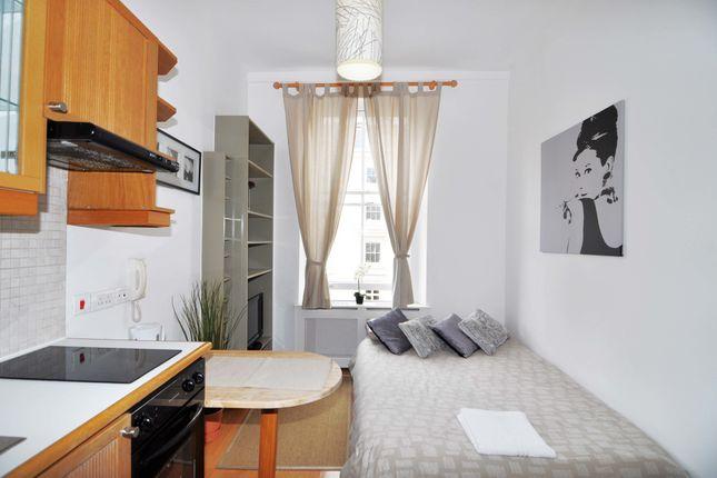 Studio to rent in Gloucester Street, Pimlico, London