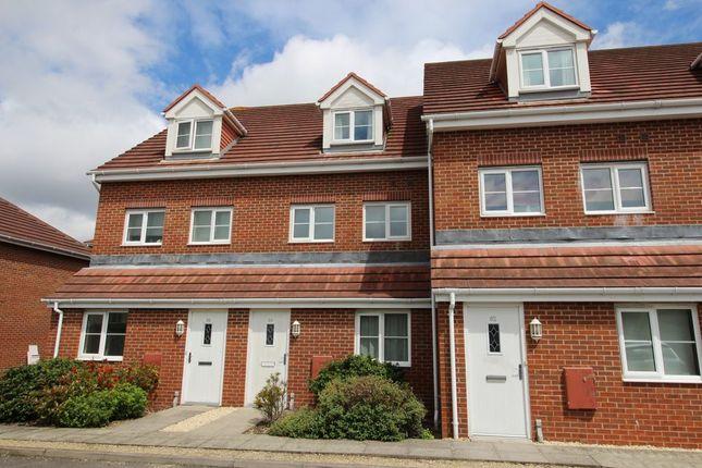 Thumbnail Flat to rent in Hoddinott Rd, Eastleigh
