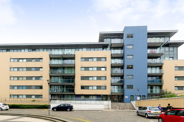 2 bed flat for sale in Fathom Court, Canning Town