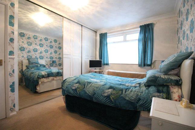 Bedroom 1 of Stanbury Road, Hull HU6