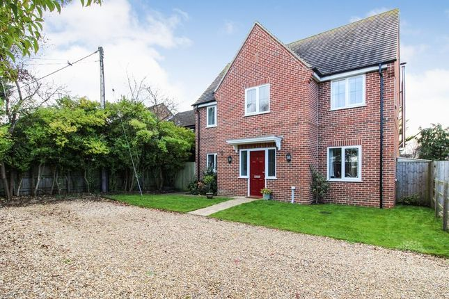 Thumbnail Detached house for sale in Benham Hill, Thatcham