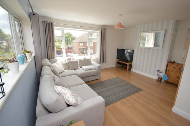 Thumbnail Maisonette to rent in Central Drive, St.Albans