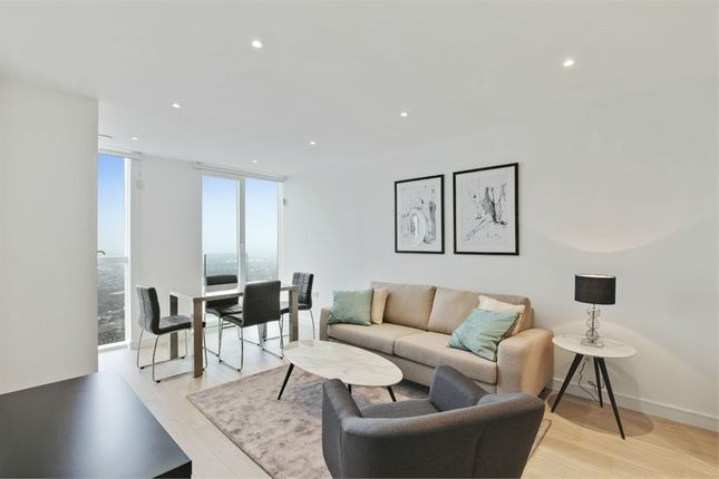 Thumbnail Flat to rent in Pinnacle Apartments, Saffron Central Square, Croydon, Surrey