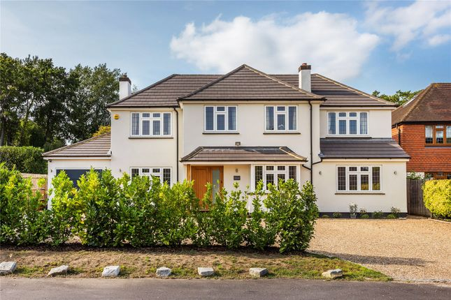 Picture 33 of Wych Hill Way, Woking GU22