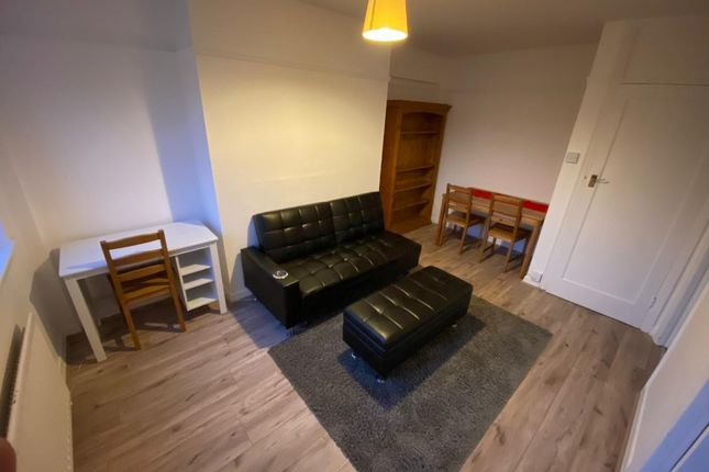 Thumbnail Flat to rent in Coleman Court, London