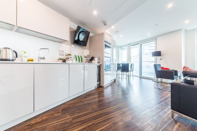 Thumbnail Flat to rent in Altitude Point, 71 Alie Street, London