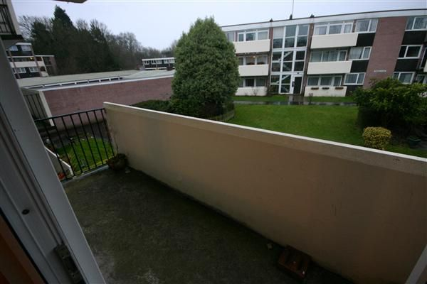 Thumbnail Flat to rent in Paimpol Place, Broadwater Road, Southampton