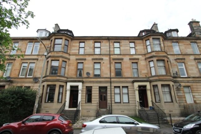 3 bed flat to rent in Roslea Drive, Dennistoun, Glasgow