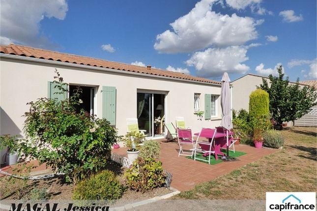 3 bed property for sale in Poitou-Charentes, Charente-Maritime, La Rochelle