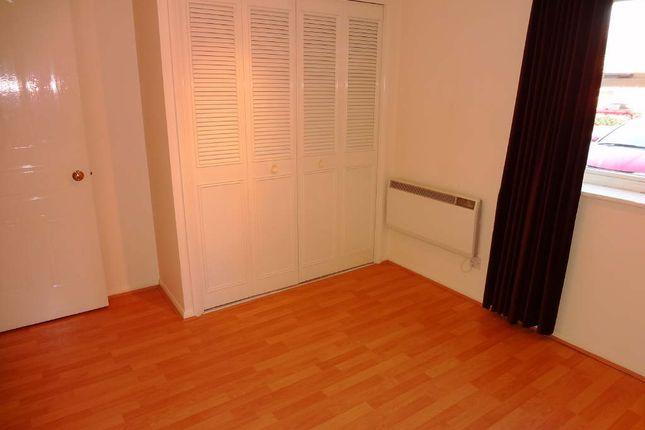 Bedroom: of Lee Close, Stanstead Abbotts, Ware SG12