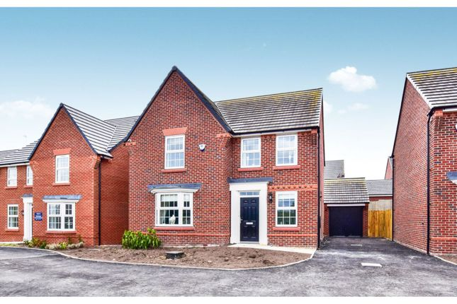 Thumbnail Detached house for sale in Maw Green Road, Crewe