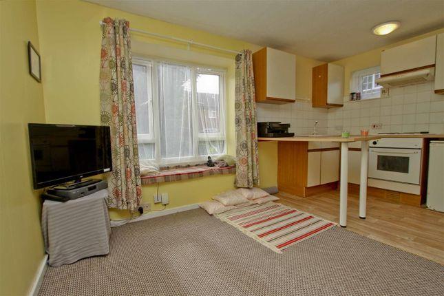 Living Space of Hambledon Close, Uxbridge UB8