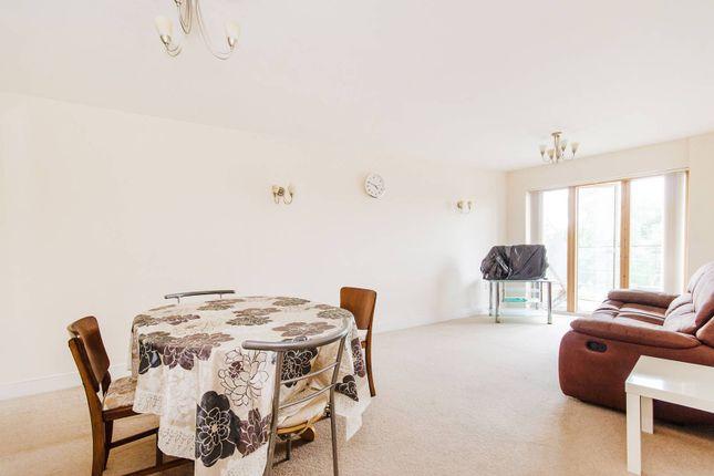 Thumbnail Flat to rent in Ickenham Road, Ruislip