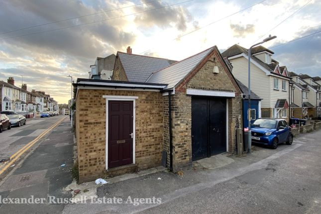 1 bed semi-detached house for sale in Clifton Place, Margate CT9