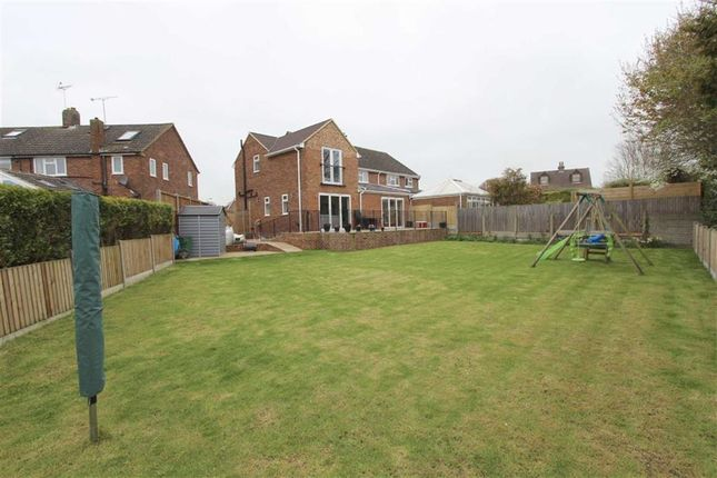 Thumbnail Semi-detached house for sale in Deans Close, Tring