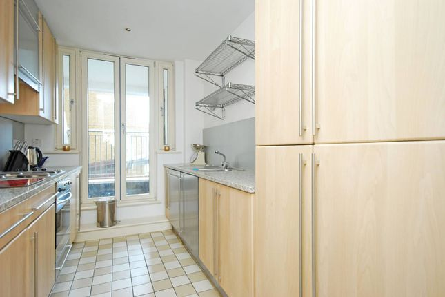 Thumbnail Flat to rent in Dundee Wharf, Limehouse