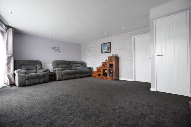 Thumbnail Detached house for sale in Little Brays, Harlow