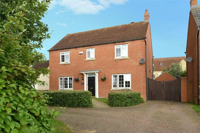 Thumbnail Detached house for sale in Luton Road, Wilstead, Bedfordshire