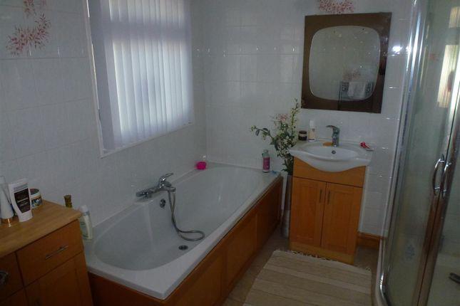 Family Bathroom of Glynarthen, Llandysul SA44