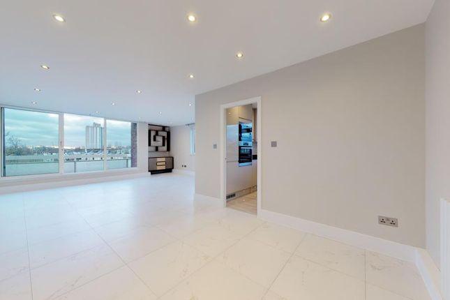 Thumbnail Flat to rent in Wellington House, Eton Road, London NW3.