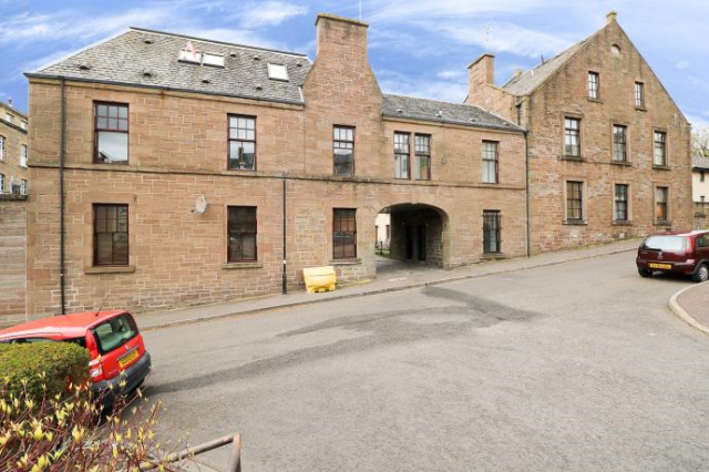 Thumbnail Maisonette to rent in Taylors Lane, Dundee