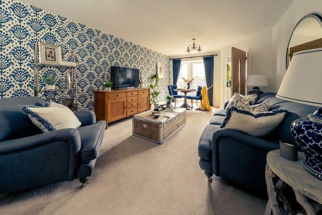Thumbnail Property for sale in Hindhead Knoll, Walnut Tree, Milton Keynes