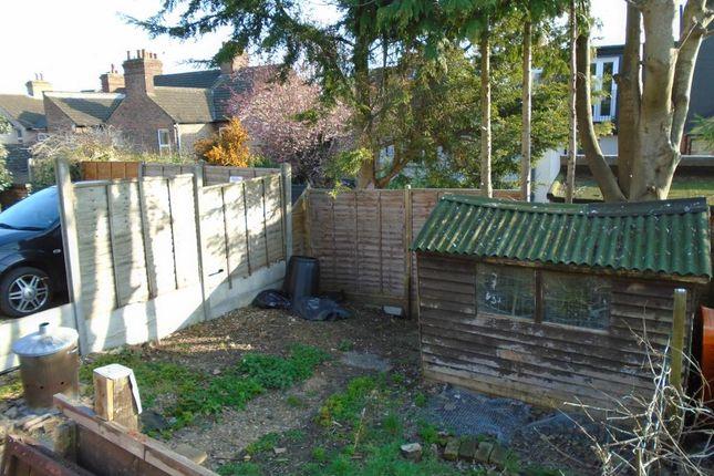 Flat to rent in Lawn Lane, Hemel Hempstead