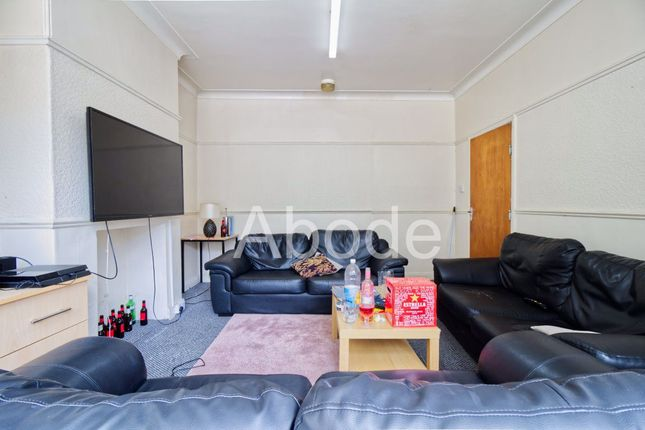 Thumbnail Property to rent in St Michael Villas, Leeds, West Yorkshire
