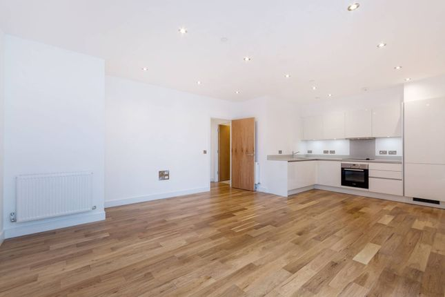 Thumbnail Flat for sale in Fifteen Lansdowne, Croydon