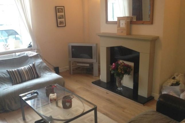 Thumbnail Room to rent in Wood Street (Room 3), Horsforth, Leeds