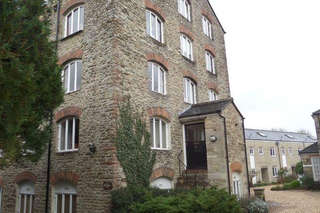 Thumbnail Flat to rent in Malmesbury