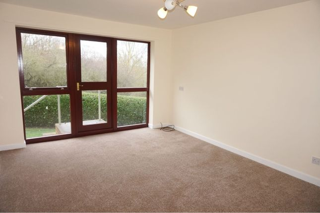 Thumbnail Bungalow to rent in High Street, Chesterfield