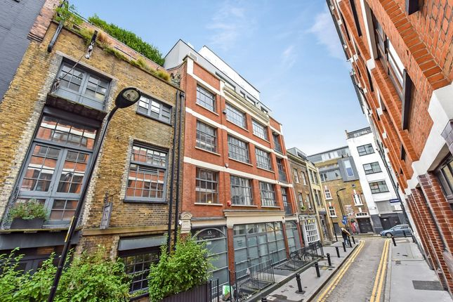 Thumbnail Flat for sale in Hoxton Square, London