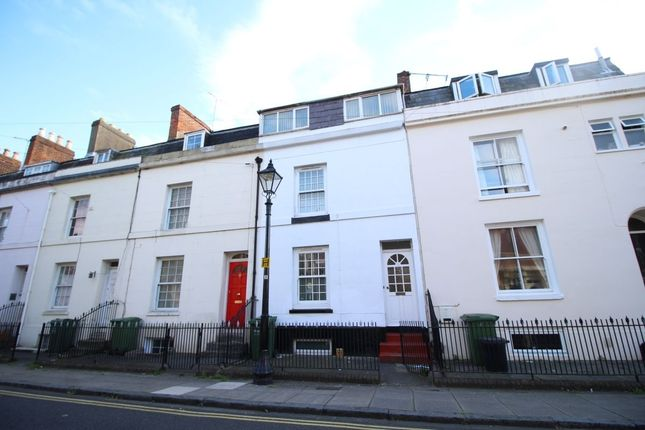 6 bed property to rent in Brougham Road, Southsea