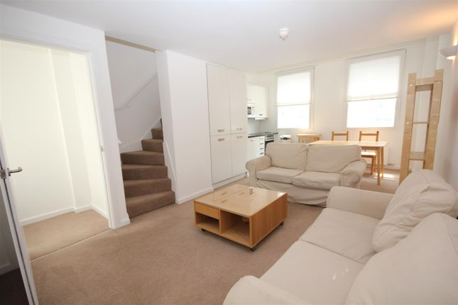Thumbnail Property to rent in New Inn Yard, London