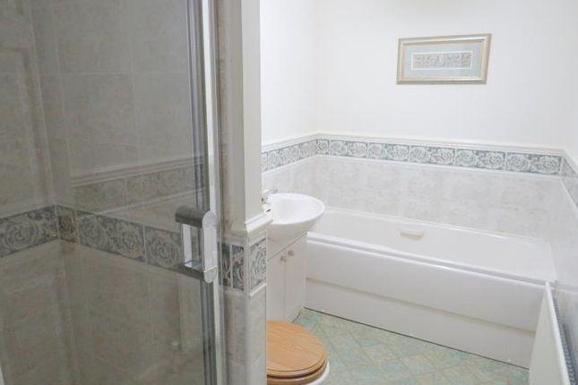 Bathroom of Avonbridge Drive, Hamilton ML3