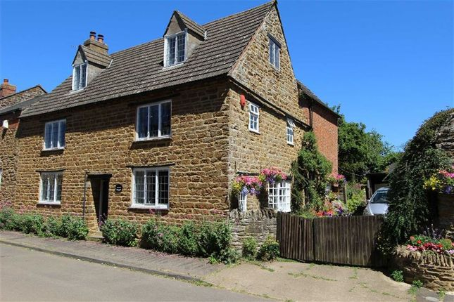 Thumbnail Country house for sale in Manor Road, Staverton, Daventry