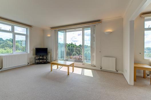 Thumbnail Flat to rent in Abbotsbury Road, London