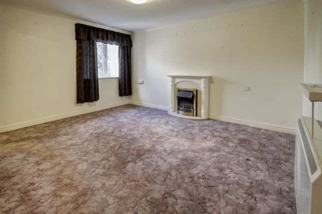 Living Room of Mowbray Court, Heavitree, Exeter EX2