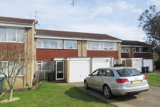 Thumbnail Property to rent in Dickens Court, Hemel Hempstead