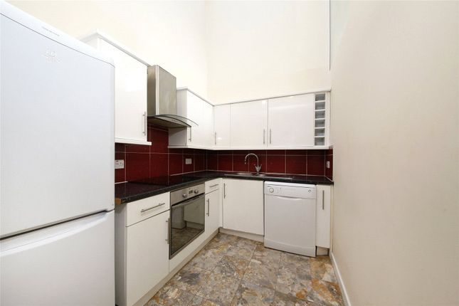 Thumbnail Flat to rent in Hedgley Mews, London