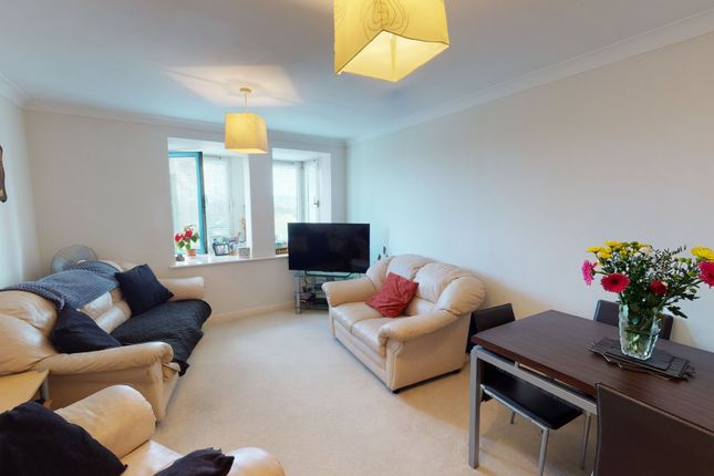 2 bed flat to rent in London Road, London SW16