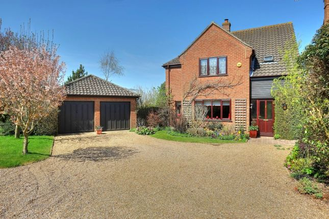 Thumbnail Detached house for sale in Old Market Green, Loddon