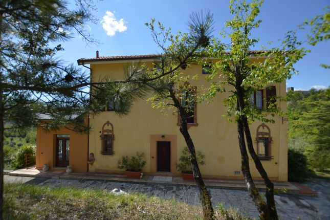 5 bed villa for sale in Aulla, Massa And Carrara, Tuscany, Italy