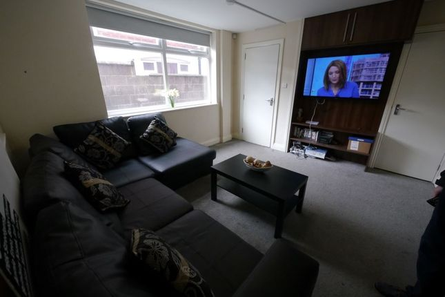 Thumbnail Property to rent in Richmond Mount, Hyde Park, Leeds