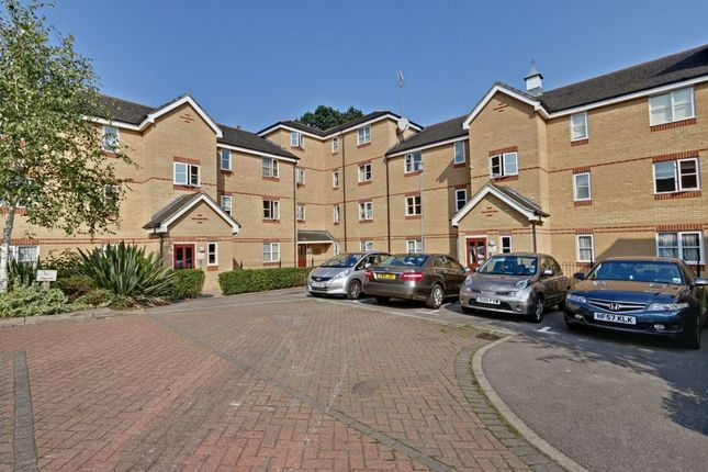 Thumbnail Flat for sale in Fernwood Court, Pickard Close, Southgate