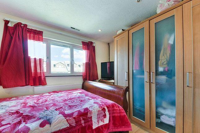 Bedroom of Veronica Gardens, London SW16