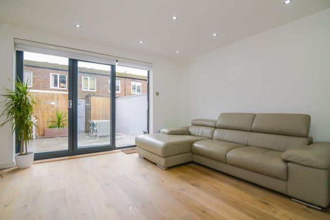 Thumbnail Property for sale in Arabella Drive, London SW15.