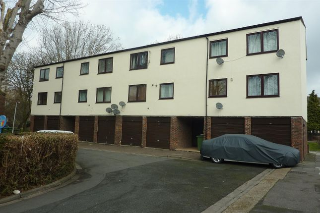 Thumbnail Flat for sale in Woolf Close, Thamesmead