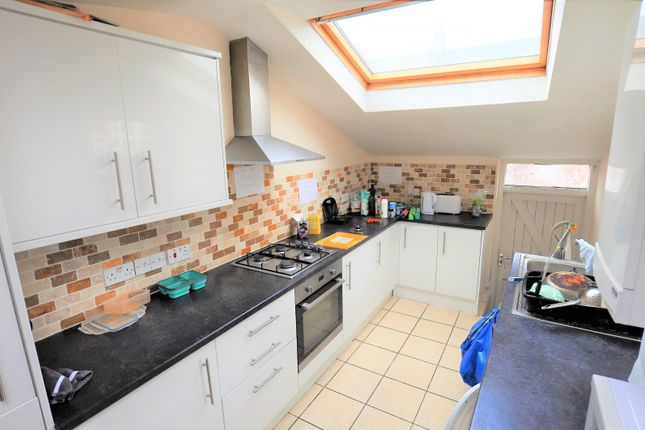 Thumbnail Maisonette to rent in Doncaster Road, Sandyford, Newcastle Upon Tyne